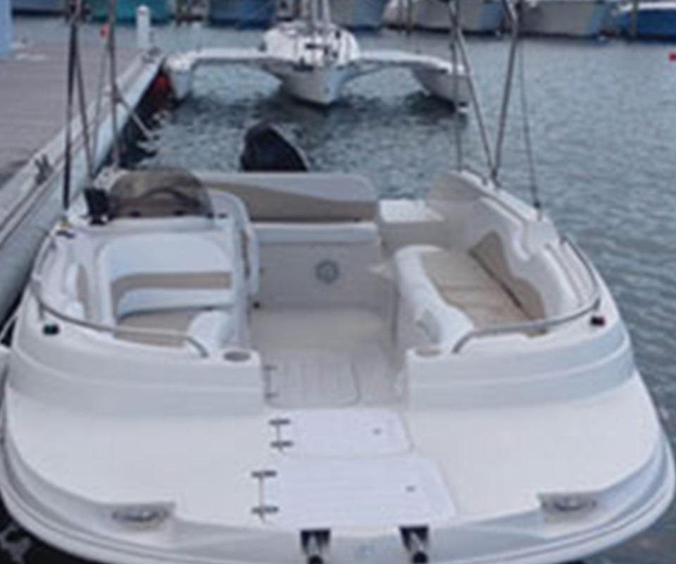 21' Deck Boat