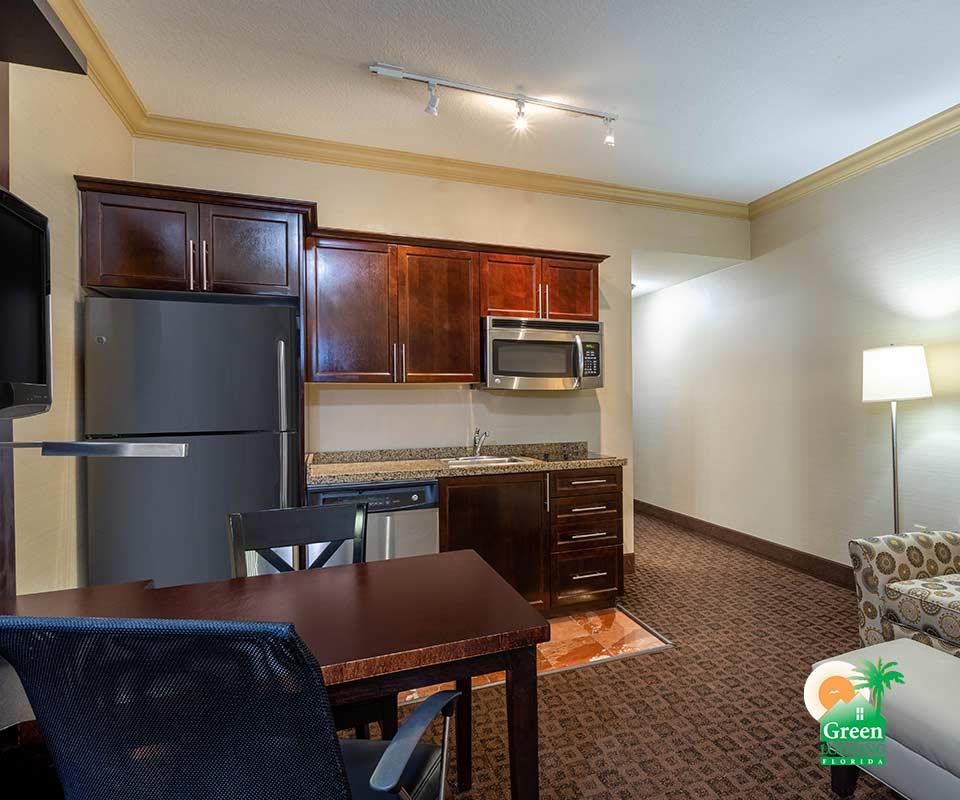 Hawthorn Suites by Wyndham Kitchen