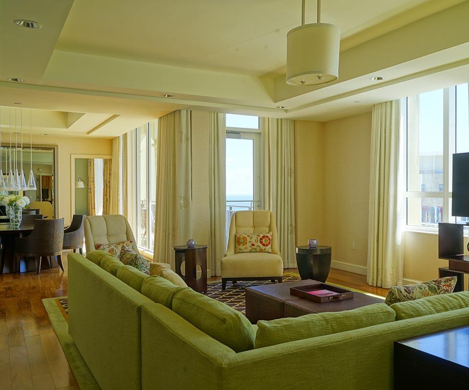 Palm Beach Luxury Suites Room
