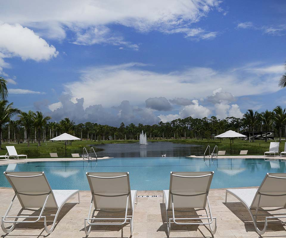Palm Beach Motorcoach Resort Pool